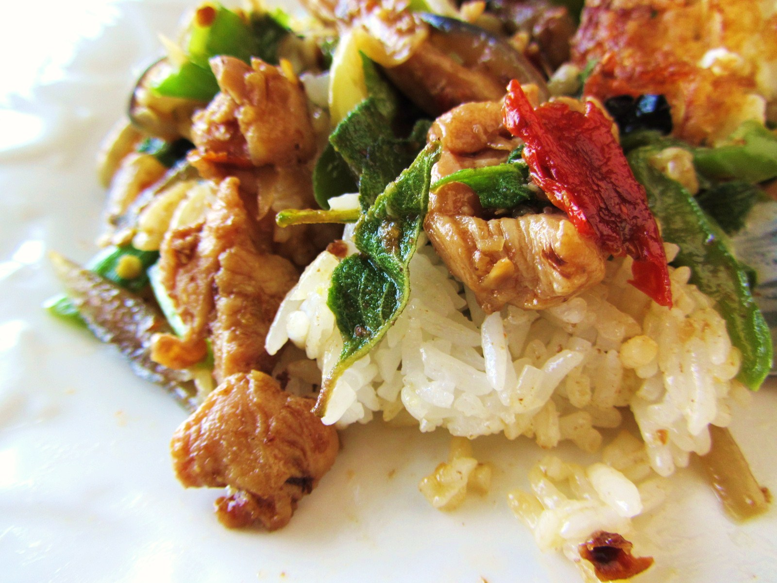 Let's eat.....simple!: Gai Pad Krapow / Thai Spicy Basil Chicken