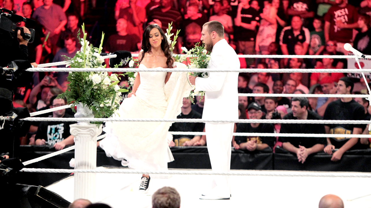 The Wrestling Blog Waging War with a Wedding Why the AJ Swerve Works