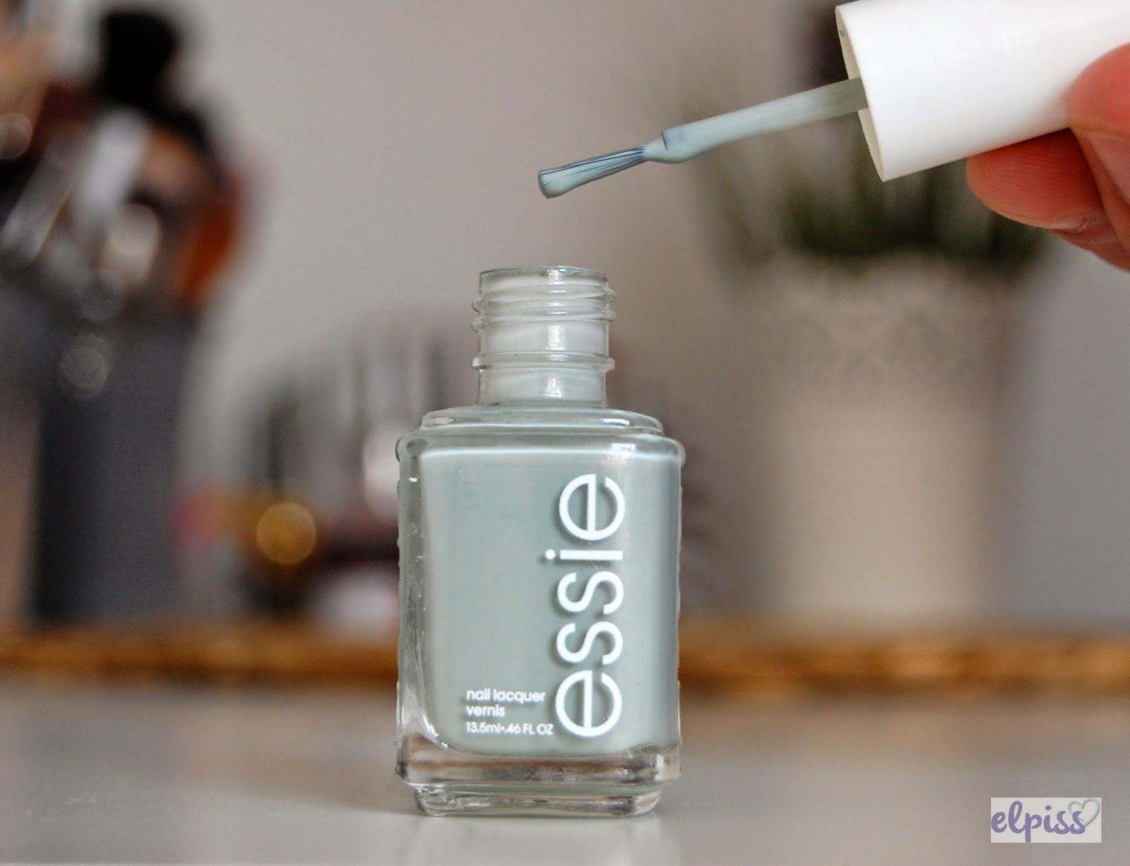 wersja amerykańska ESSIE: Maximillian Strasse-Her cienki wąski pędzelek