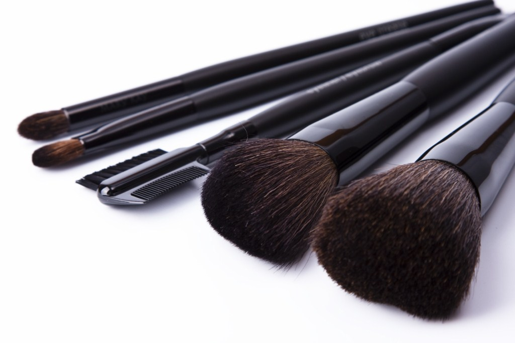 Pure spa direct blog increase profits by adding on makeup for Adda beauty salon cartierul latin