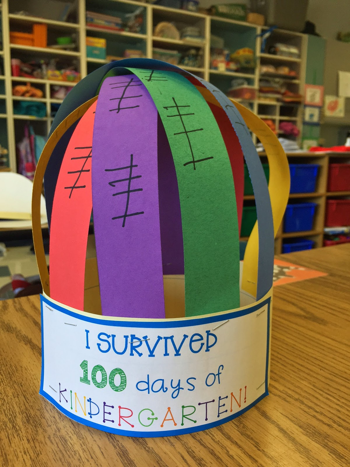 One of my favorite days is the 100th day of School in Kindergarten!  Check out some simple 100th day Crafts and 100th day of School Snacks that are quick and easy!