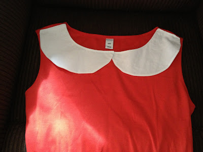 peter pan collar white on red
