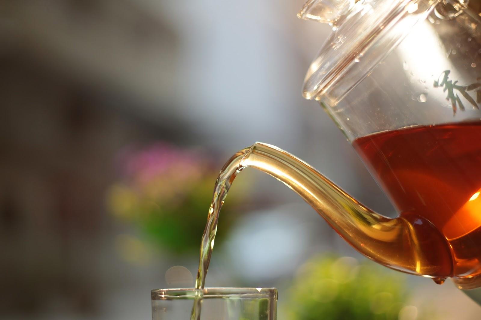 Πώς βγαίνει ο λεκές από τσάι;