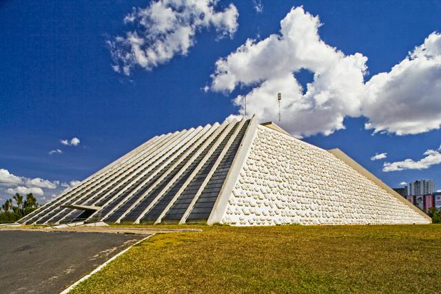 Resultado de imagem para TEATRO NACIONAL DE BRASILIA