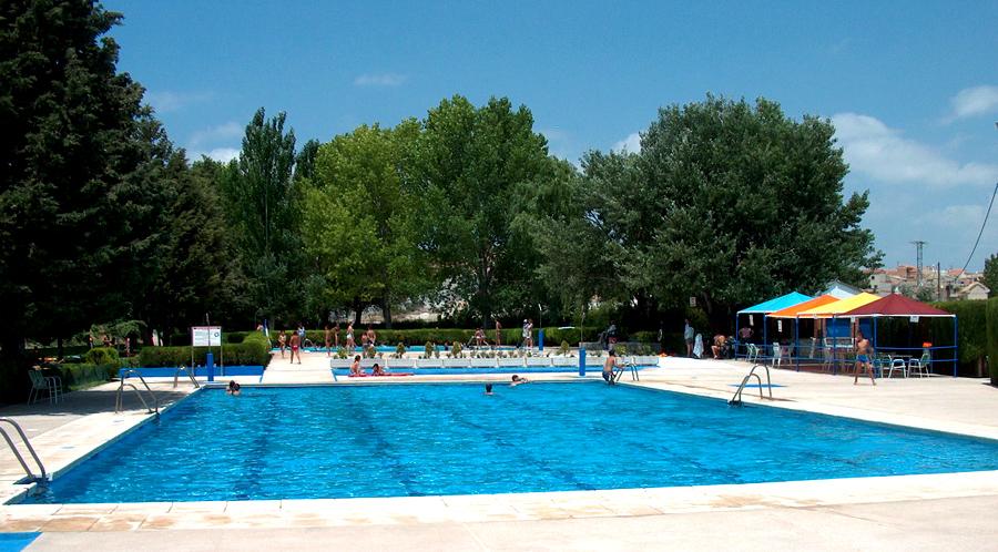 L 39 illusionista un 39 estate in piscina - Piscina municipal santander ...