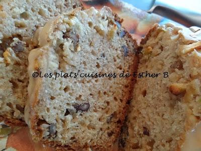 Pain aux pommes avec son glaçage au caramel (cake)