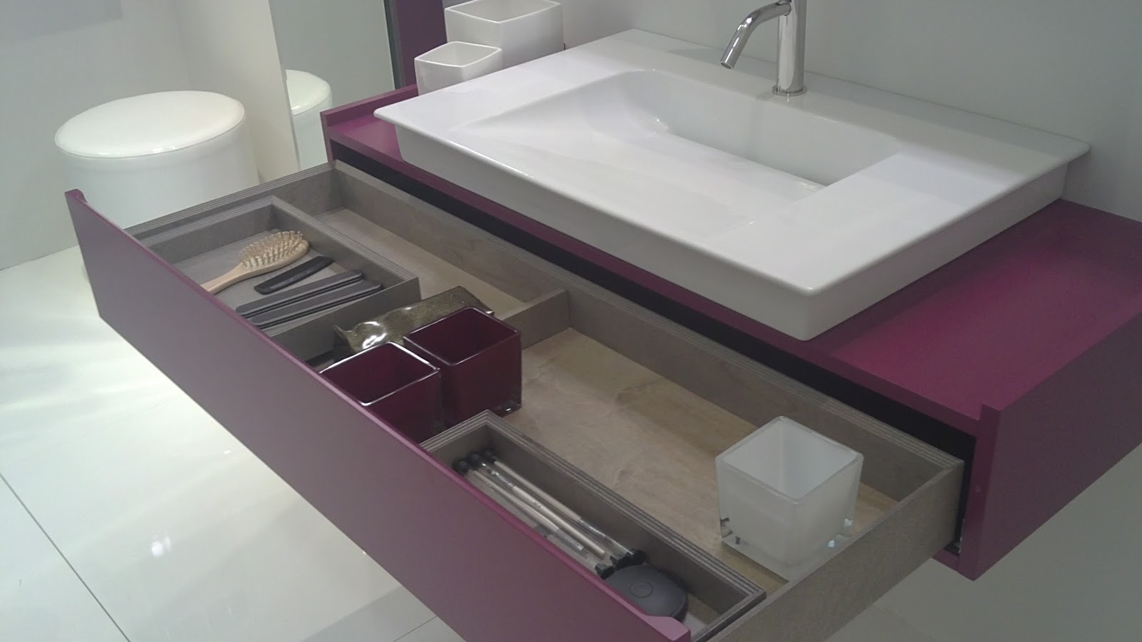 Luxe bath ba os decoraci n y estilo 09 01 2011 10 01 2011 for Mueble kansas
