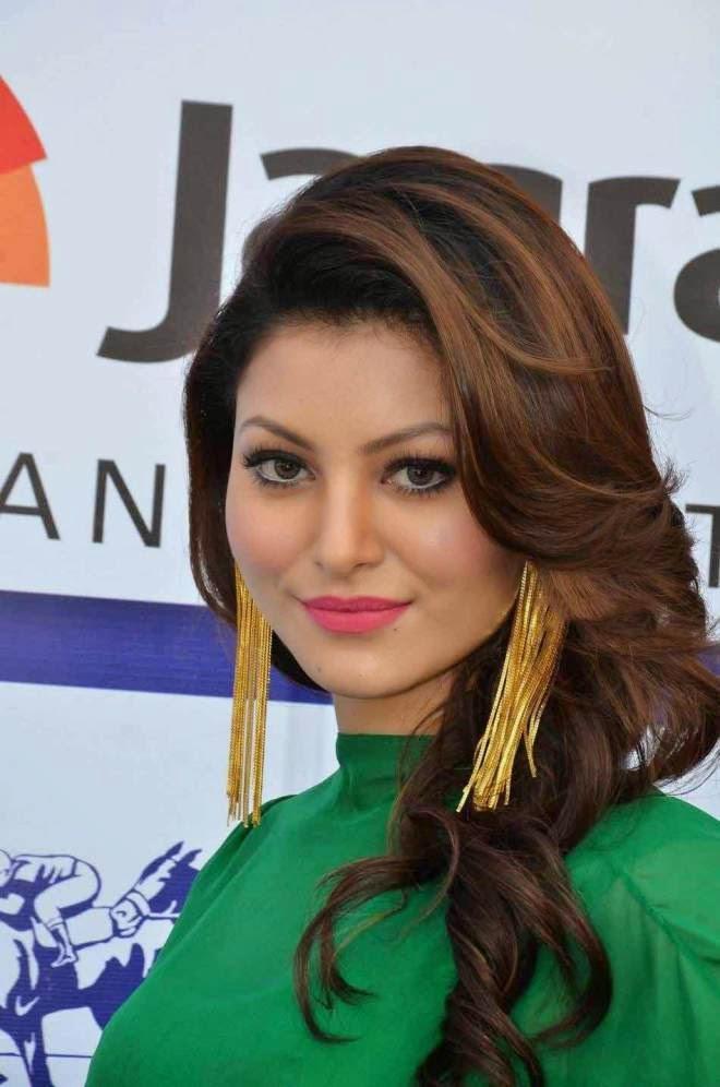Urvashi Rautela Glam Stills Pictures
