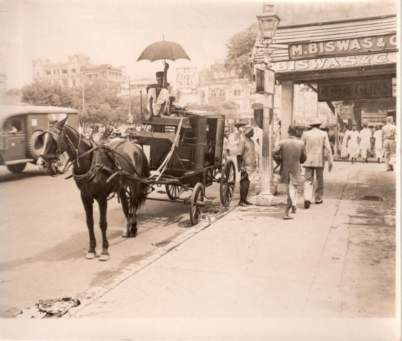Horse Coach Waiting for Passenger in a Busy Street - Calcutta (Kolkata) 1940's