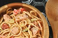 Spaguetti con salmón y tomates