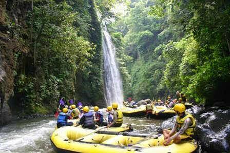 Paket Wisata Bromo Rafting Songa Pekalen