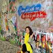 Η Μαρία Κατσάμπη στον «τοίχο της αγάπης και της ειρήνης»