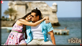 Hot Katrina Kaif and Salman Khan romacing HD Wallpaper from Ek Tha Tiger