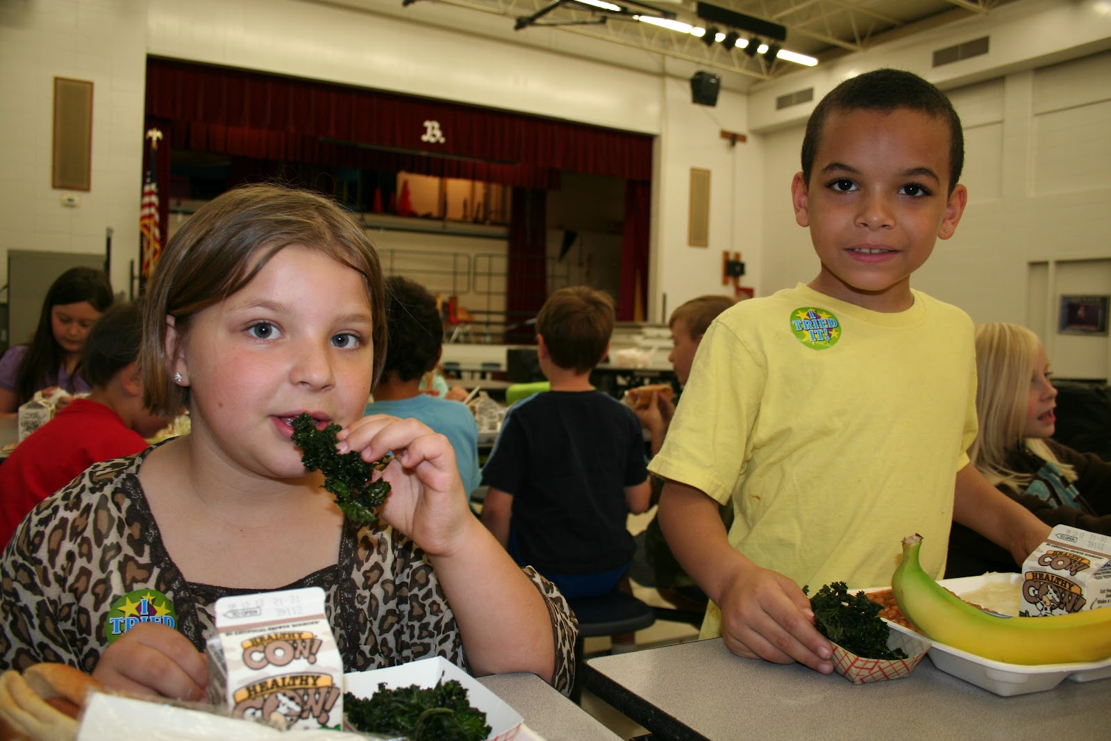 kentucky health news the obesity crisis our reports students in kenton county schools sample kale chips as part of an effort to incorporate more fruit and vegetables into their diets school district photo