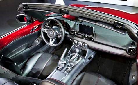 2016 Fiat Spider Interior