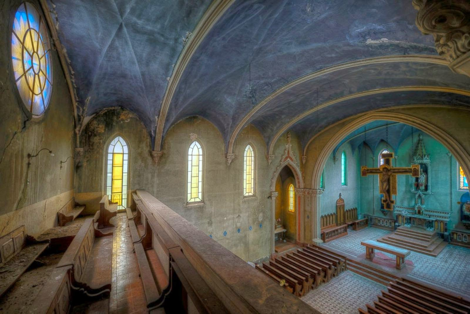 remarkable pictures abandoned places