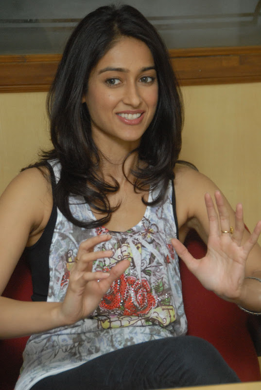Ileana Latest Cute Pictures sexy stills