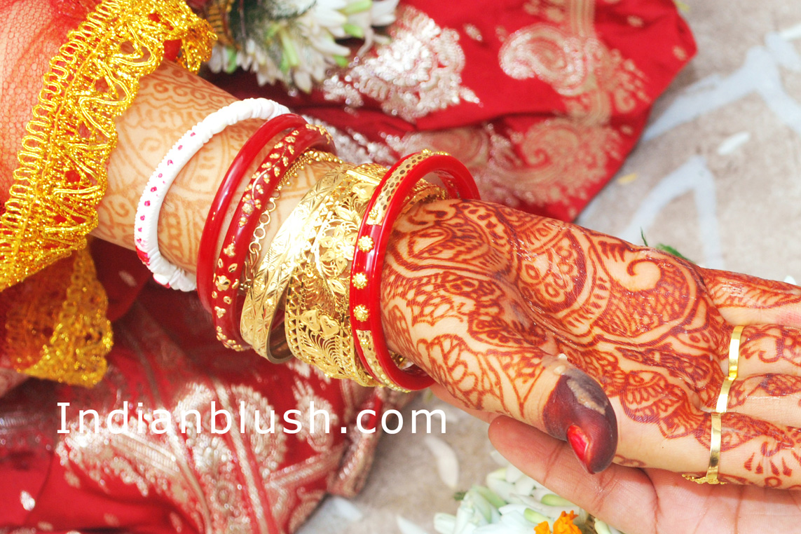 bengali wedding tradition Sacred rituals of a traditional bengali wedding that make it a vibrant and here we bring to you some basic rituals and traditions that are a part of a bengali.