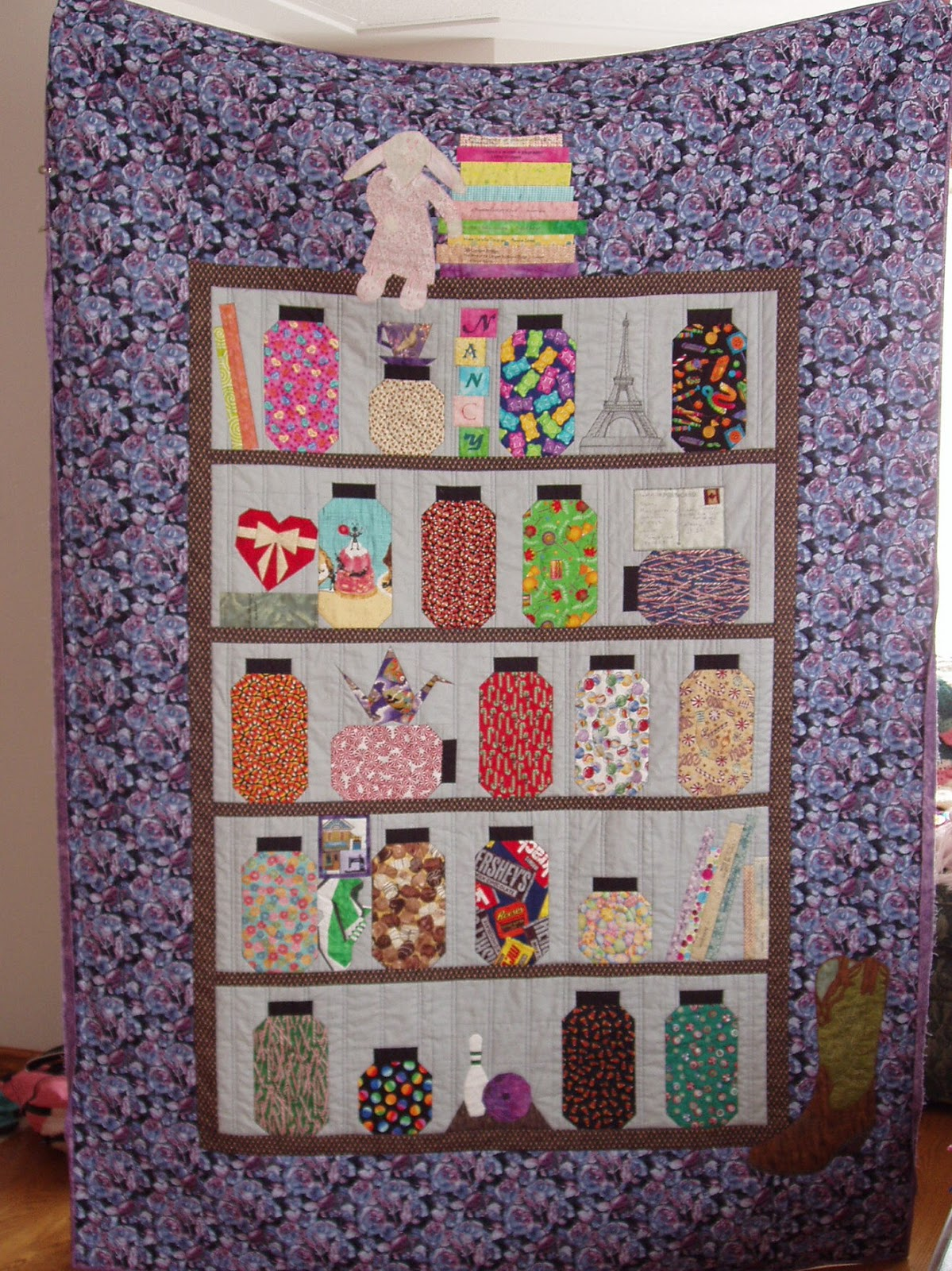 Books and Quilts: Nancy s Candy Jar Shelf - Quilting Gallery Viewer s Show and Choice