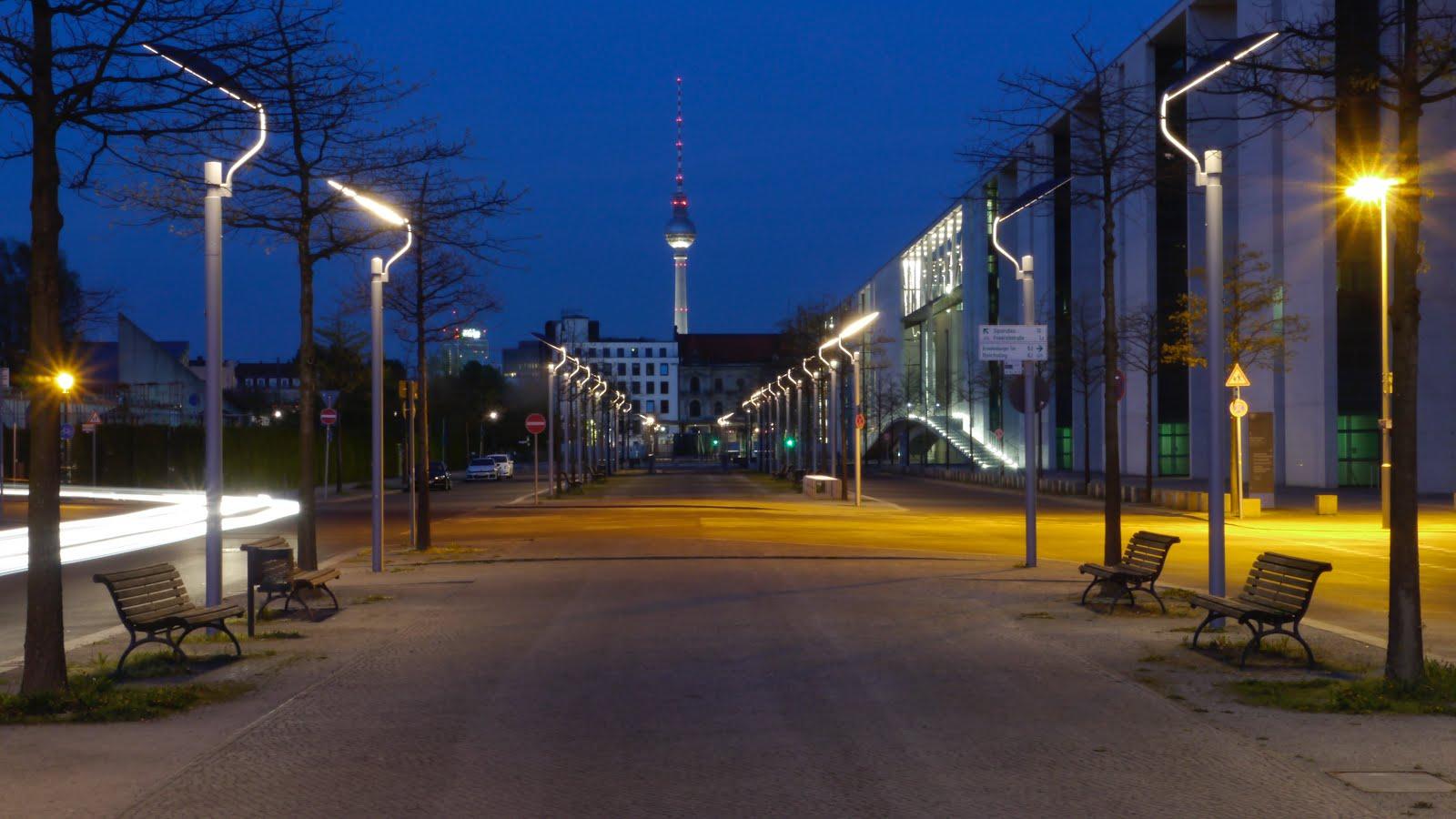 Die blaue Stunde in Berlin Mitte