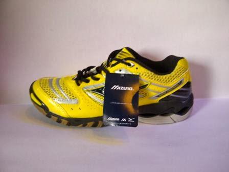 sepatu Mizuno Wave Lightning 7 kuning