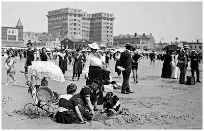 On the beach, Atlantic City, N.J., between 1900 and 1910