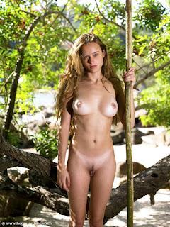 Naked brunnette - sexygirl-gislane_14-786173.jpg