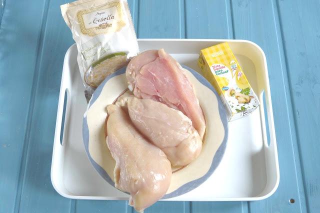 Ingredientes para pechuga de pollo con nata y cebolla