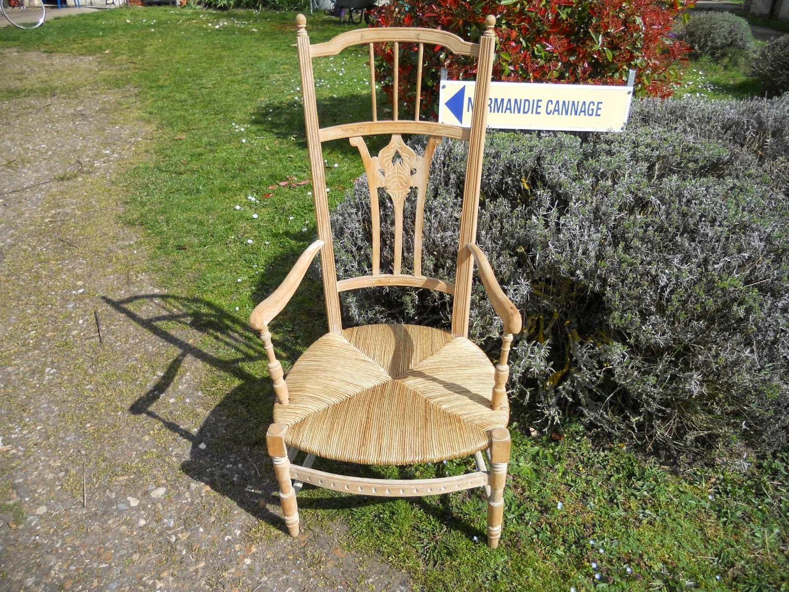 Normandie cannage mai 2012 for Chaise quadrillage