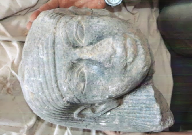 An unidentified royal statue head found in Luxor