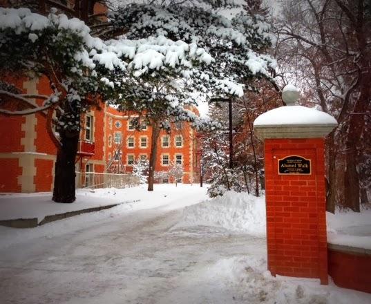Alumni Walk Winter Grad Photo