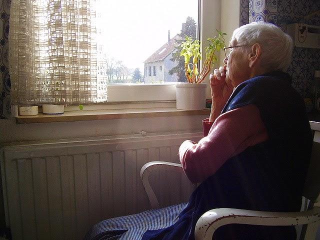 Stoel Voor Ouderen : Happy nieuws only!: hulp kwetsbare ouderen uitgebreid