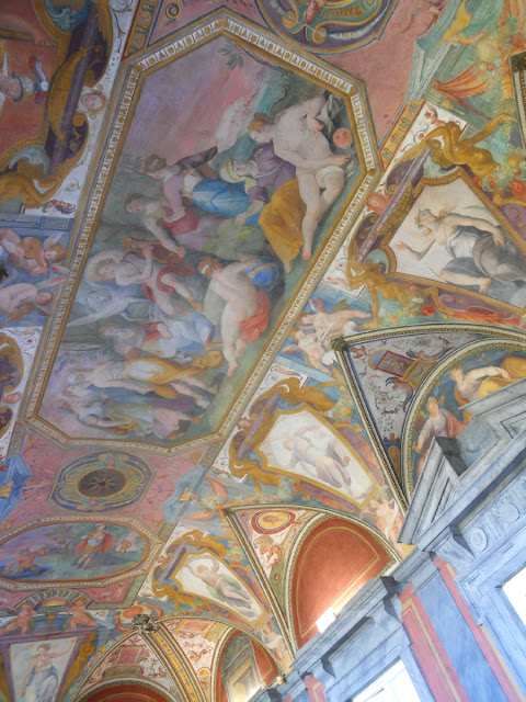 Affreschi villa Bottini Lucca