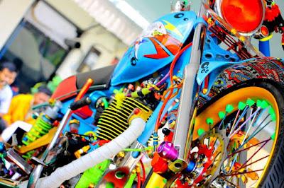 Modifikasi Honda CB Kontes Basic GL 100 Mentereng