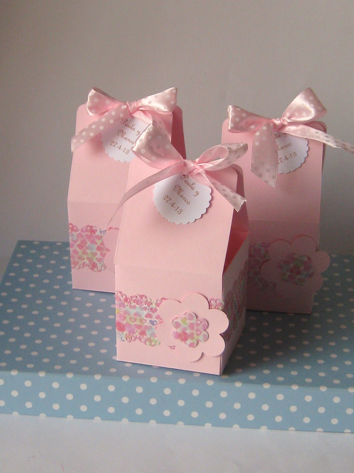 Chocolate y burbujas detalles para eventos cajas de for Cajas de carton pequenas decoradas
