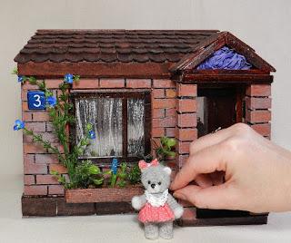 Как сделать домик для мишки своими руками