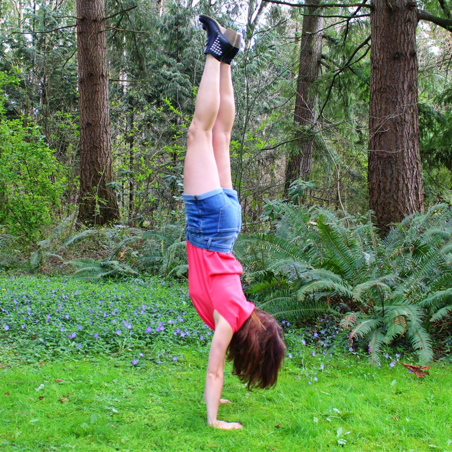 Handstand fashiOHM