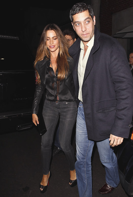 Sofia Vergara out with fieance Nick Loeb