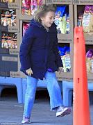 . Matilda Ledger, aproveitaram a segundafeira (4) para fazerem compras em .