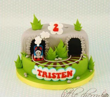 amazing Thomas the Train cake by Little Cherry