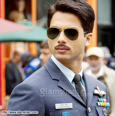 Mausam Hindi Movie Shahid Kapoor & Sonam Kapoor Exclusive ...