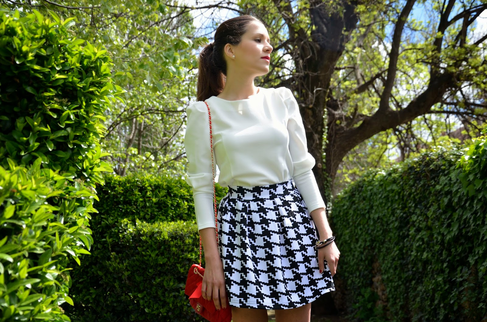 lady-look-skirt-black-white