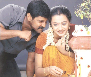 Tamil film actor vikram wife