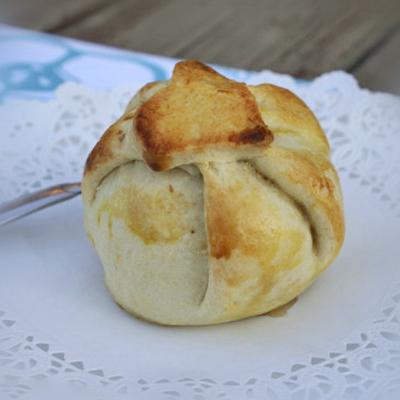 Яблоки в заварном тесте