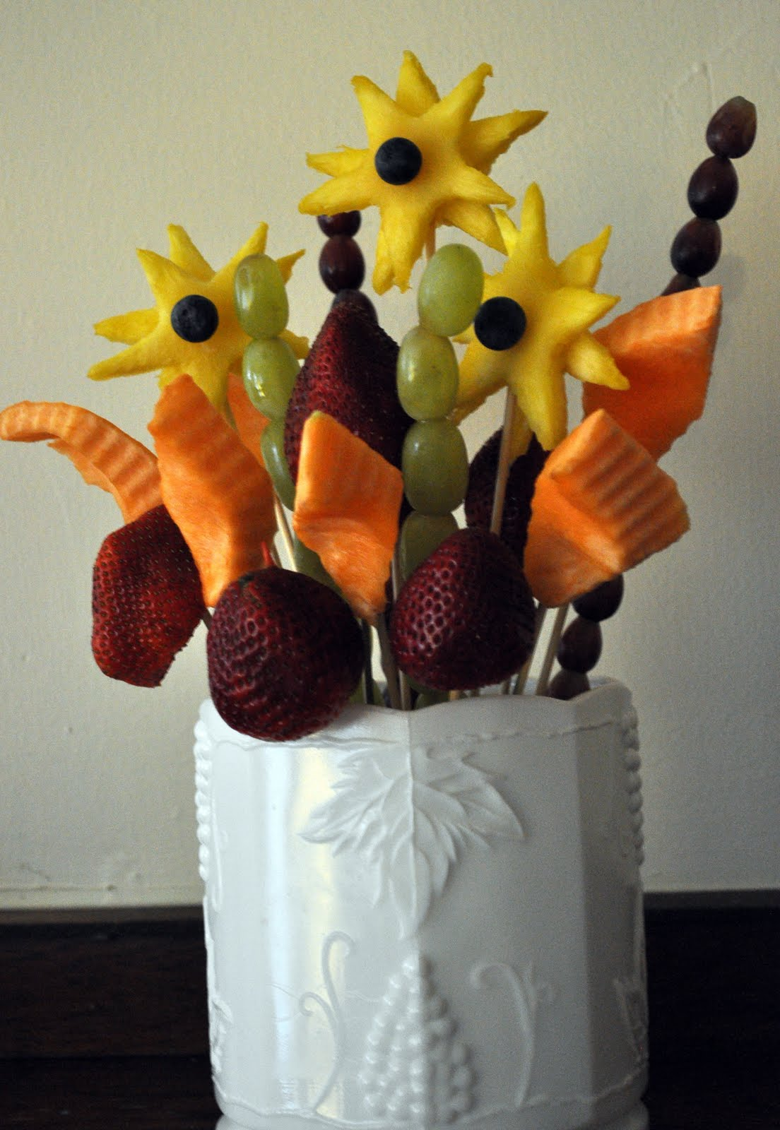 how to make fruit bouquets instruction