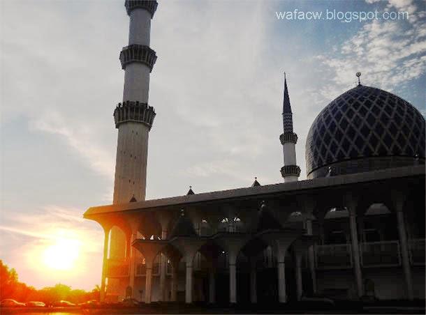 Masjid Shah Alam, Selangor (hiasan)