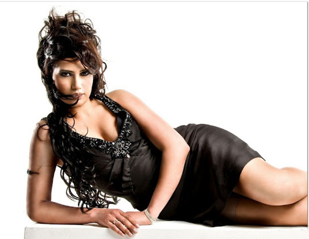Wardah Khan hot pics