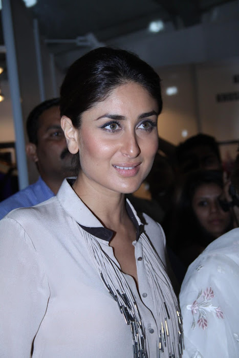 kareena kapoorkaran johar at lfw 2012. hot images