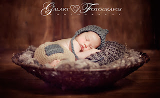 Fotografía de bebé recién nacido. Newborn