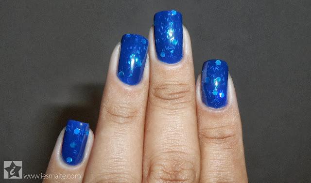 Esmalte Azulaco + Cobertura Glimmer